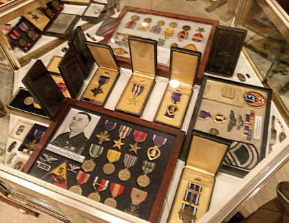 Medals, Wings and Insignias
